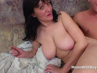 Busty Mother Fucking big Cock Full vintage Movie