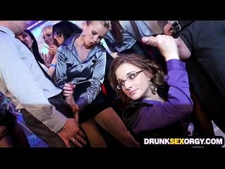 Drunken cock for hungry chicks in the club
