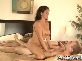 Busty motherinlaw squirts before facial