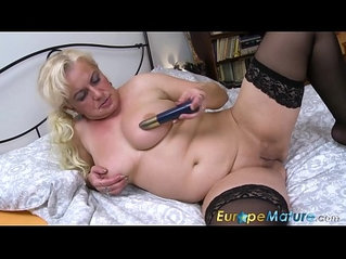 EuropeMaturE Busty Mature Solo Showoff