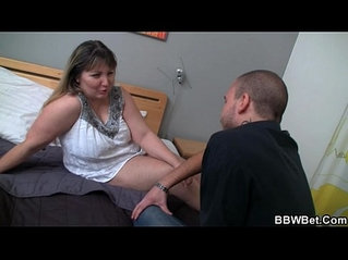 Chubby chick pussy after blowjob