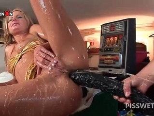 Wet slut slurps hot piss out of horny for cock with a sex toy