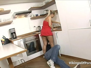 Fucking My Stepsis In the Kitchen Sink