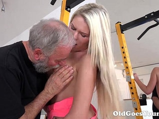 Old goes young martina loved how this old sucking her tits